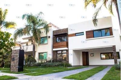 Residencia De Lujo En Venta En Valle Real Zapopan