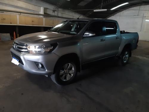 Toyota Hilux 2.8 Cd Srv Pack 177cv 4x2 2017