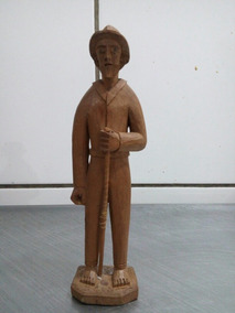 Escultura Em Madeira