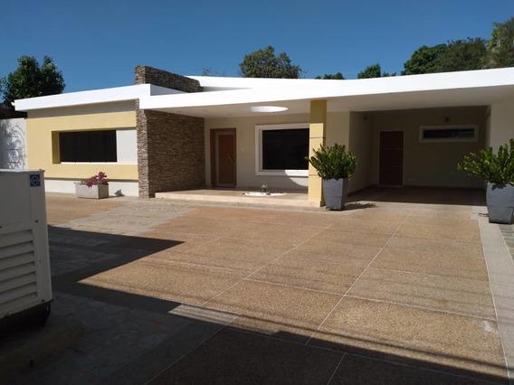 Quinta En Venta En La Floresta 04145624656
