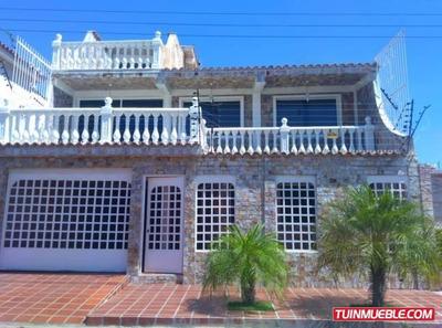 Casas En Venta Cumana. Urb. Ciudad Jardin