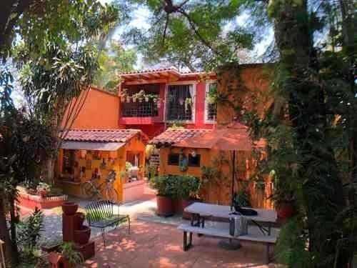 Casa Sobre Av. Rufino Tamayo, Con Dos Frentes
