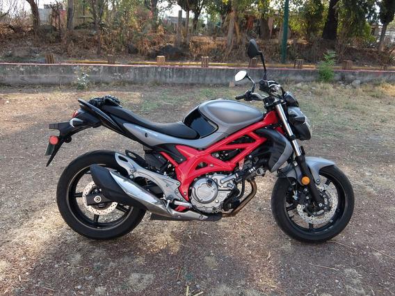 Moto Suzuki Gladius 650