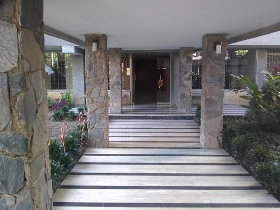 Apartamento En Los Palos Grandes Con Piscina