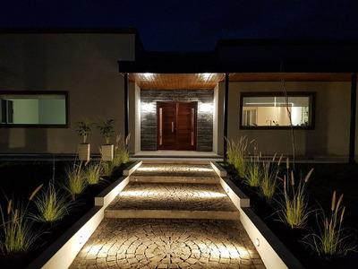 Excelente Casa De 211 M2 En Planta Baja En Barrio Privado Ho
