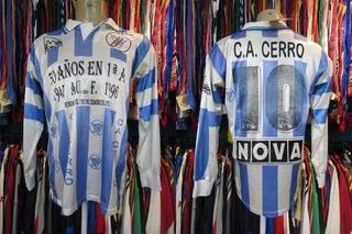 Cerro Do Uruguai Camisa Titular Tamanho G Mangas Longas # 10