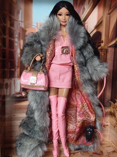Boneca Barbie Kimora Lee Simmons- Gold Label