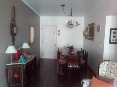 Apartamento 2 Dormitórios Ótima Localização.