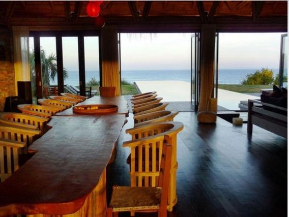 Casa En Venta , Mansion En Venta, Sobre El Mar, Santa Monica, Manantiales, 5 Dormitorios.-ref:208823
