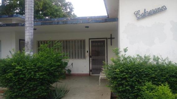 Verónica Ch. Vende Casa Comercial Las Mercedes Maracaibo