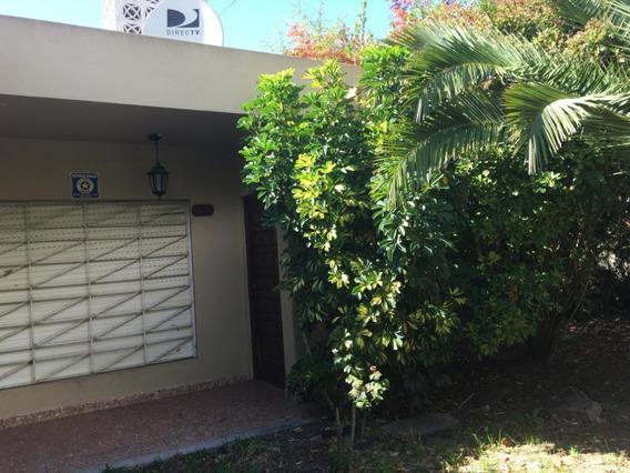 Oportunidad: Casa 3 Ambientes En Zona Residencial