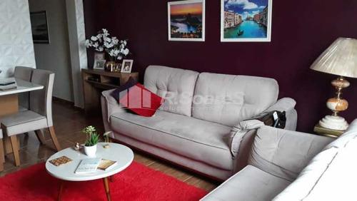 Apartamento Amplo Em Localização Privilegiada - Vvap20629