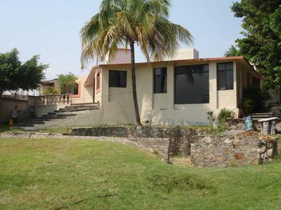 Excelente Casa De Bonito Diseño Arquitectonico Cerca De Tequ
