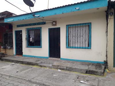 Casa 4 Ambientes, 2 Baños, Calle Adoquinada, 7 Lagos
