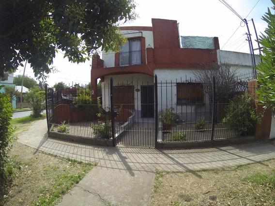 Hermosa Casa De Dos Pisos Ituzaingo !!!