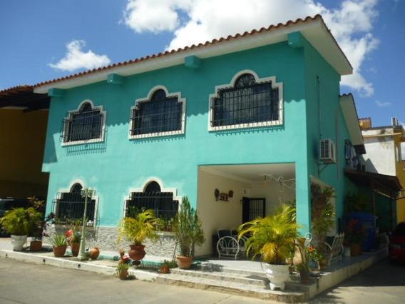 Casa En Venta Zona Oeste Barquisimeto Lara 20-6031 Rahco