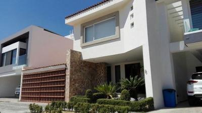 Casa En Fracc. Vista Real Del Sur