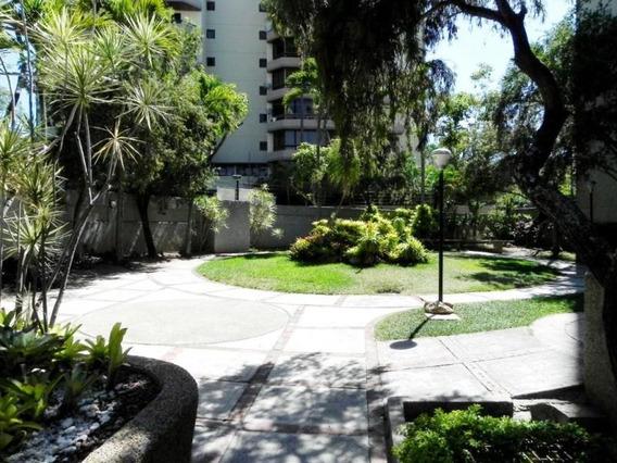 Amalia López, Vende Apartamento En Valle Arriba Mls 19-8632
