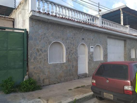 Casa Economica En 23 De Enero, Bellos Acabados 04243745301