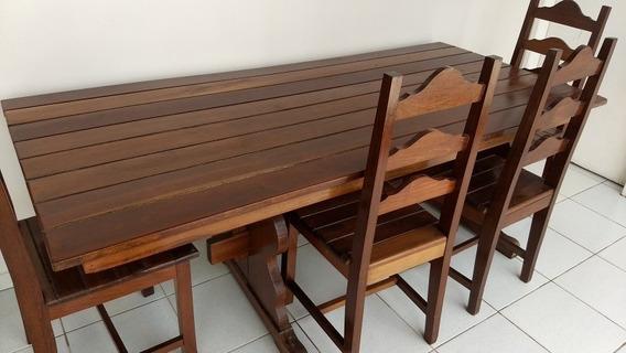 Mesa Com Com 4 Cadeiras De Madeira De Jatobá