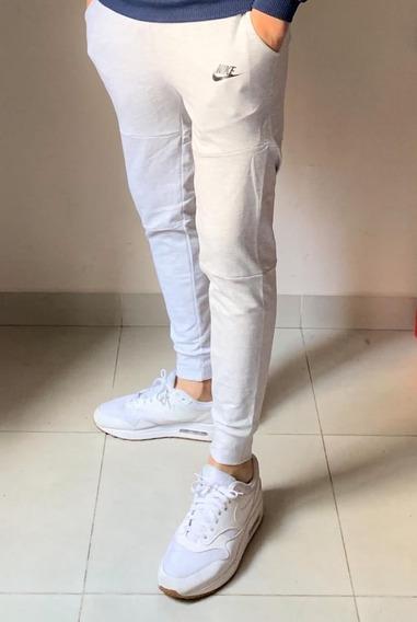 Pantalon Jogging Nike Essential Chupin