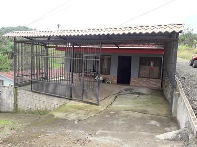Propiedad Con 2 Casas