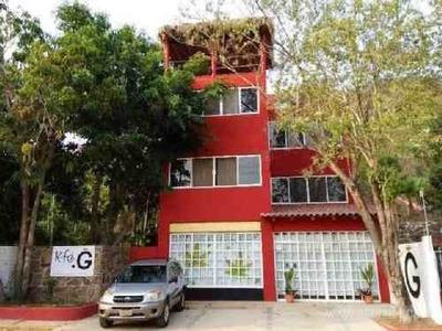 ¡¡¡oportunidad De Compra!!! Edificio Económico De 3 Departamentos -con Amplio Jardín- En Zipolite!