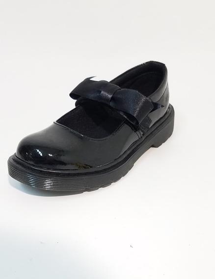 Zapato Guillermina Negro Charol Dr Martens Maccy Nene Nena