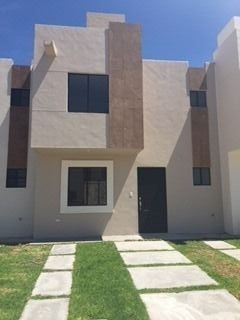 Estrene Casa Nueva En Renta En Fracc. Rincones Del Marques Qro. Mex.