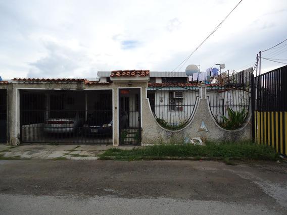 Casa Urbanizacion Los Cerritos-paraparal