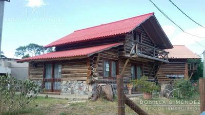 Cabaña En Alquiler Anual En Barrio Country Muy Cómoda