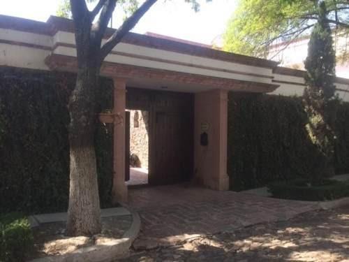 Preciosa Residencia En Álamos 1ra Secc - 7 Habitaciones, 5 Baños..