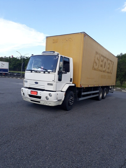 Ford Cargo 2421
