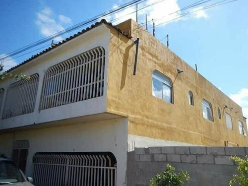 Edificio En Venta Con 4 Departamentos (colonia Reforma)