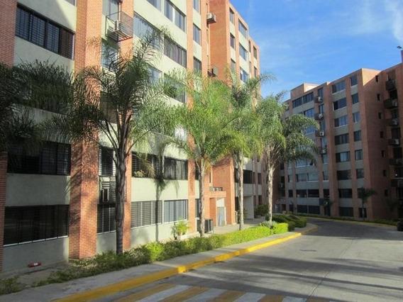 Venta De Apartamento En Los Naranjos Humboldt / Ac 20-6013