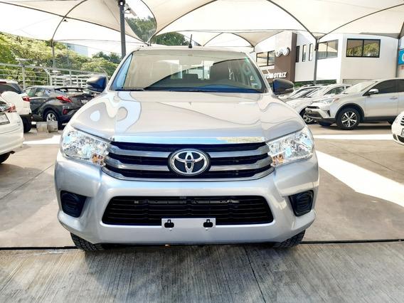 Toyota Hilux Plata 2018, Excelentes Condiciones