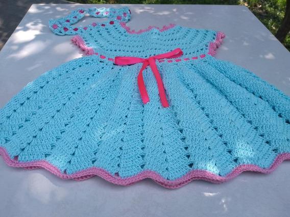 Conjunto De Vestido E Tiara Crochê Azul Com Detalhes Em Rosa