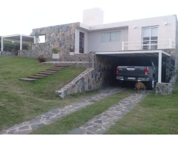Casa En Venta De 2 Dormitorios En Falda Del Carmen