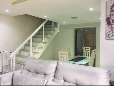 Casa Triplex Com 3 Quartos, Piscina E Garagem