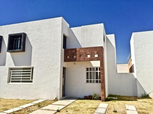 Renta Casa Nueva, 3er Anillo Al Sur, 4 Recs, 2.5 Baños, $7,5