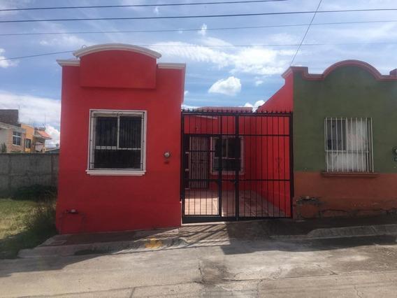 Casa En Venta O Renta A 5 Minutos De La Universidad Sta Fe En Guanajuato, Gto.