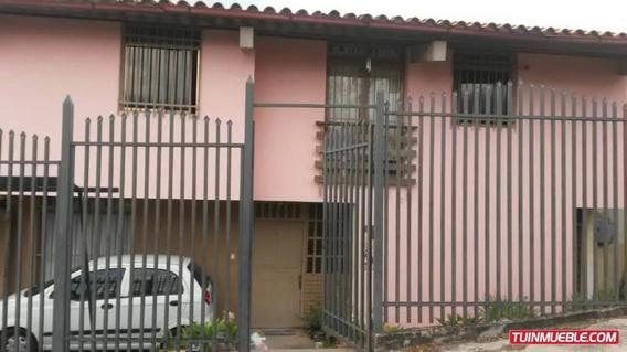 Casas En Venta 19-17907 Josefina Caro 04241566687
