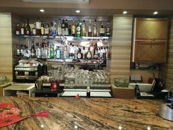Vendo Punto Comercial Con Mobiliario Restaurant Naco