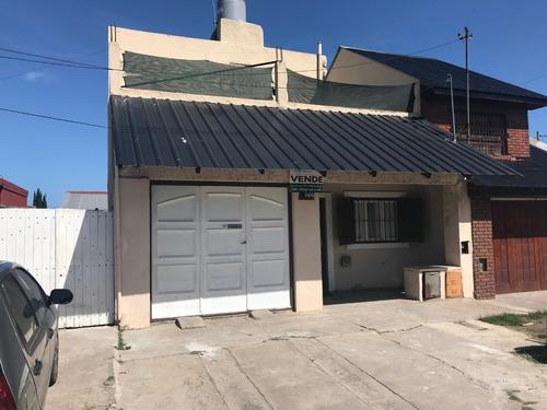 Casa En Ph Al Frente Con Garage. Barrio El Progreso.