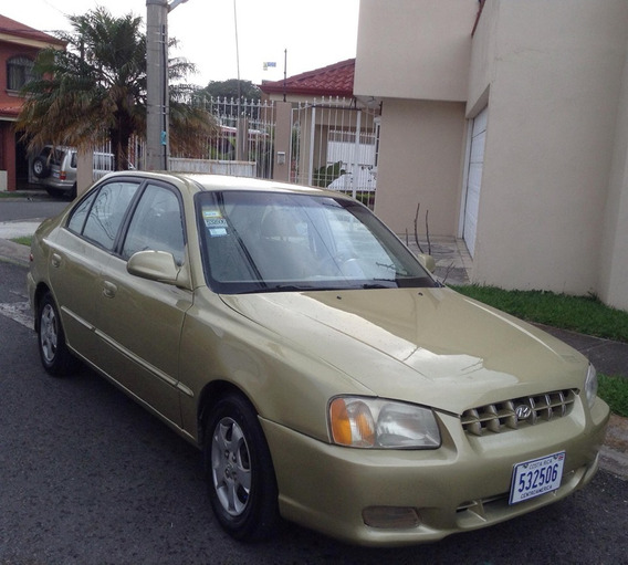 Hyundai Accent 2000 Automatico- Familiar