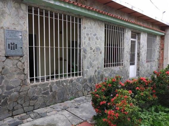 Casa En Venta Paraparal Aaa 19-11955