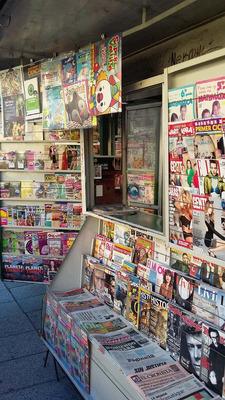 Puesto De Diarios Y Revistas