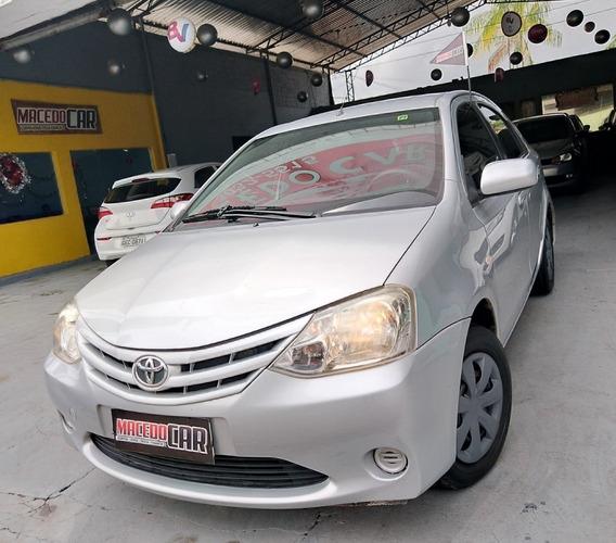 Toyota Etios Sedan 1.5 Xs 2013 Prata
