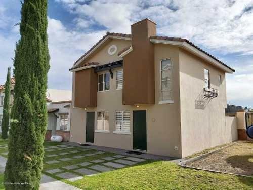 Casa En Venta En Rincones Del Marques, El Marques, Rah-mx-20-347