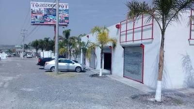 Renta De Locales Comerciales Ubicados En La Carretera Libre A Celaya